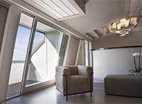 vetrata scorrevole in legno laccato bianco