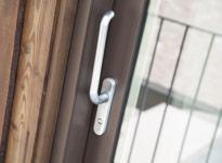 serramento in legno alluminio eco 78la effetto corium con alzante scorrevole